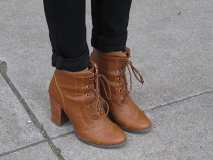 urban-outfitters-ankle-boots-086_opt
