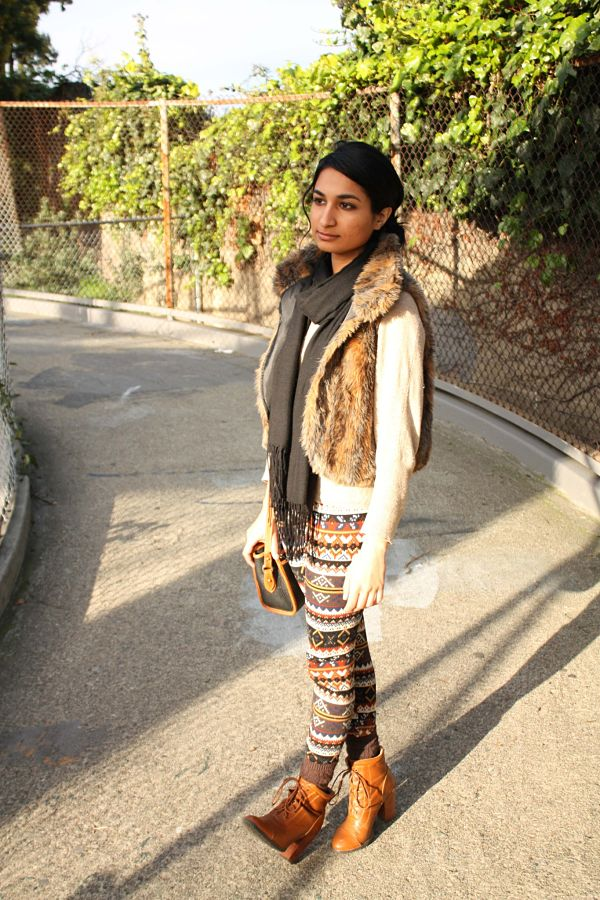 faux-fur-printed-leggings