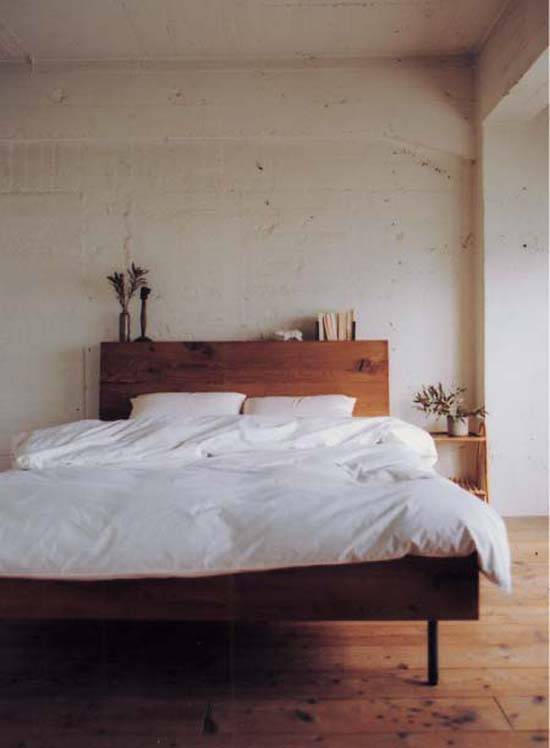 medium-wood-bed