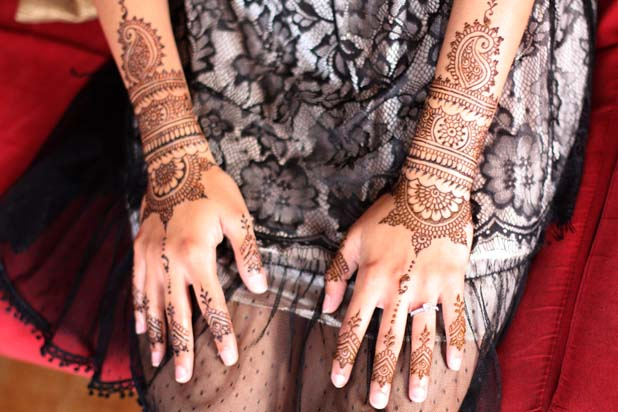 darcy-vasudev-wedding-mehndi