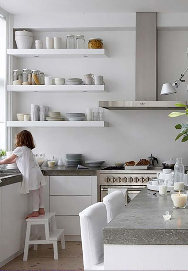7 kitchens with open shelving like fresh laundry