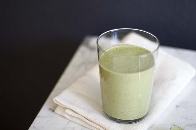 Green Banana Almond Smoothie | Like Fresh Laundry